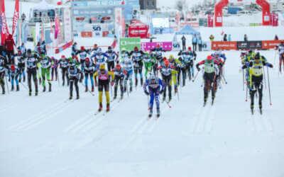 Jizerskou 50 vyhrál Švéd Persson. Mezi ženami vybojovala třetí místo Kateřina Smutná