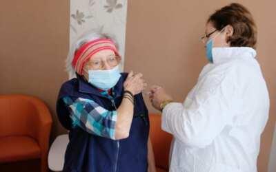 Ve Středisku sociální péče začala vakcinace klientů a seniorů 80+