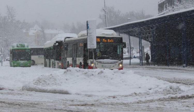 Meteorologové varují před sněžením. V Jizerkách napadne čtvrt metru sněhu