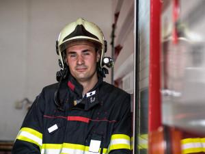 Nikdy bych nechtěl vyjíždět k rodině nebo přátelům, prozradil hasič Kamil Socha