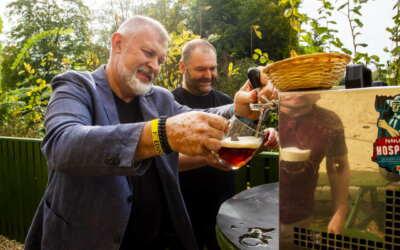 Z chmele vypěstovaného studenty Střední školy hospodářské a lesnické ve Frýdlantě se letos v Pivovaru Albrecht opět zrodila školní piva