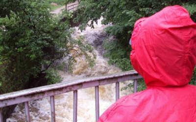 Meteorologové varují silným deštěm a povodněmi. Dorazí v noci na středu