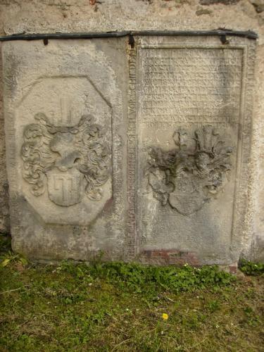 dolni-oldris-frydlantsko dolni-oldris-nahrobni-kameny-1